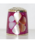 Fioletowy kwiat z masy perłowej