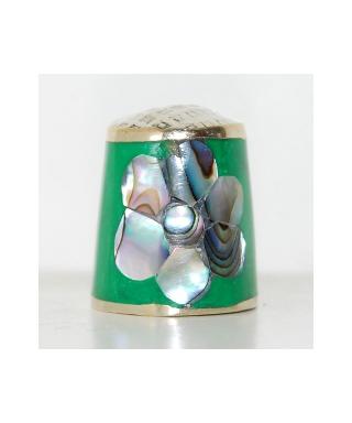 Zielony kwiat z masy perłowej
