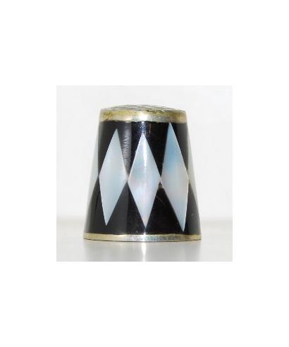 Biało-czarny z masy perłowej