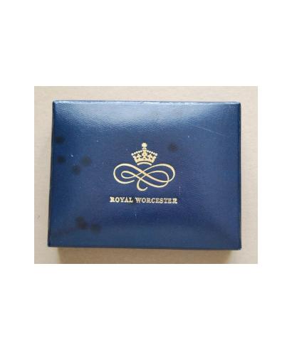 Royal Worcester - box (Ballet)