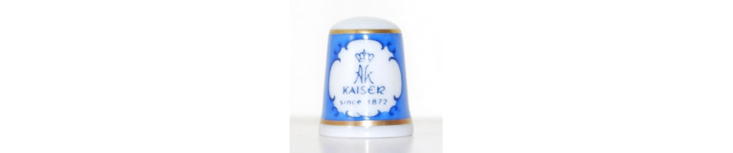 THE HALLMARKED THIMBLES OF THE WORLD'S GREAT PORCELAIN HOUSES (42/50)