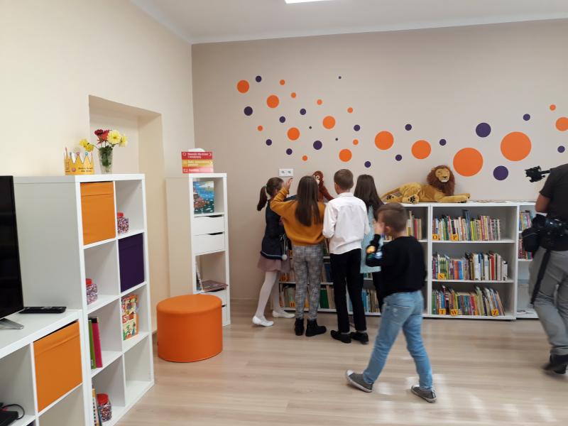 pod złotym naparstkiem library opening - 18